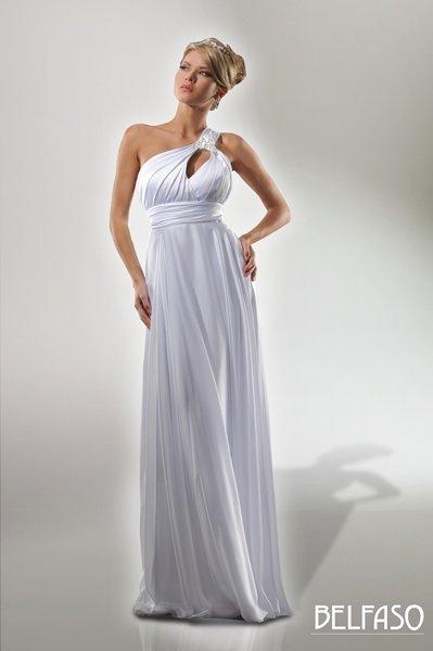 Свадебные платья прямого покроя: как