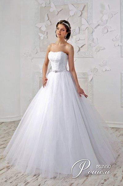 Поэтому неудивительно, что большинство невест вынуждены экономить и искать салоны, где можно купить свадебные платья недорого