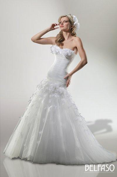 39c2dd93f6f Какая невеста не мечтает затмить своим платьем голливудских красавиц  Это  непросто