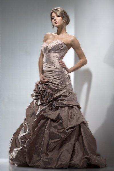 776a827386213bf Шикарные свадебные платья - фото, широкий выбор | BELFASO
